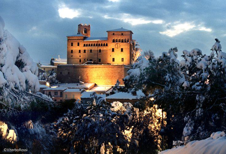 Il castello di Longiano immerso nel paesaggio invernale. Ph. ViterboFotocine