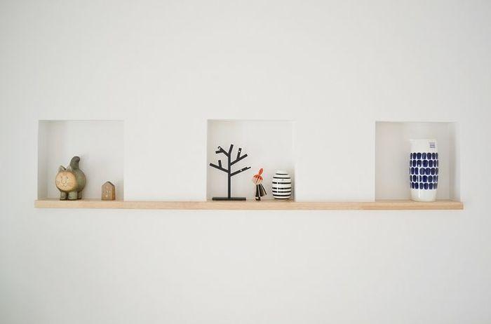 """ニッチというのは、お花や雑貨類をディスプレイするために、壁面に""""凹み""""を持たせた飾り棚のことをいいます。"""