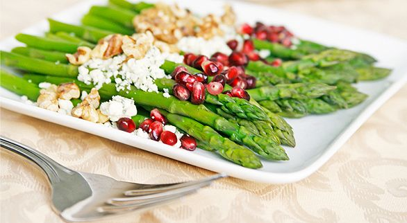 asparagus with pomegranate and walnuts