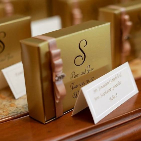 personalised wedding cake boxes for guests best 25 cake slice boxes ideas on wedding 6470