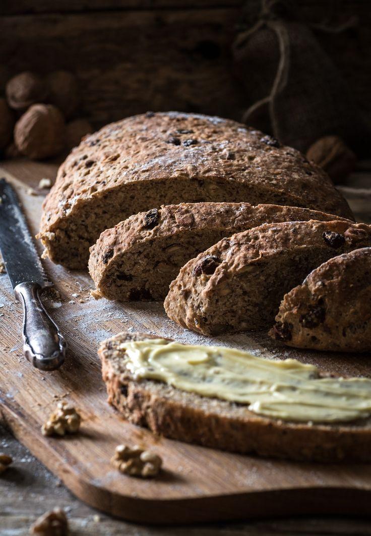 -Sponsord- Speciaal voor mensen die een glutenvrij dieet moeten volgen, eenheerlijk luxe glutenvrij kerstbrood met noten en extra vezels. We maken dit brood met glutenvrij meel van Schär. Wil je meer weten over gluten? Lees dan onsartikel van een tijdje geleden: Feiten & Fabels over gluten. We voegen aan het glutenvrije meel extra vezels en...Lees verder