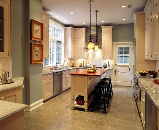 How To Paint A Small Kitchen In A Light Color Narrow