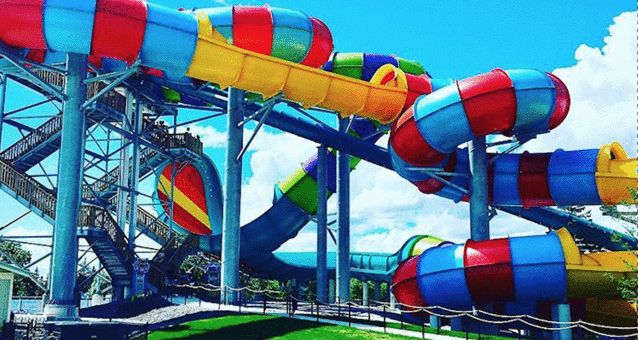 Wet'n'Wild Water Park Is Looking To Hire Almost 400 People For The Summer