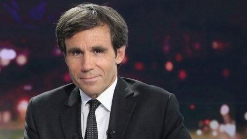 Retrouvez dans le 20h de France 2, du 01 Mai, Jean Lassalle dans sa longue marche a l�coute des citoyens. Vous pouvez �galement le suivre sur son blog: http://la-marche-2013.over-blog.com/ vous pouvez m�me aller a sa rencontre et marcher avec lui!d�but...