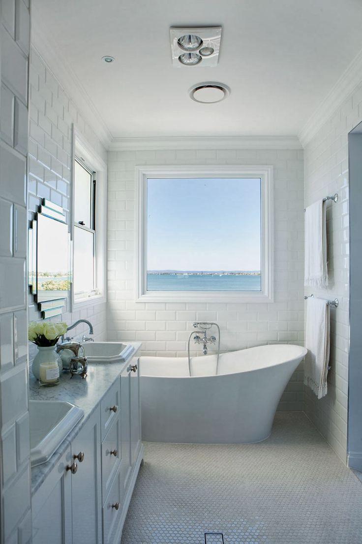 Coastal Bath Design. Hamptons Charm in Queensland