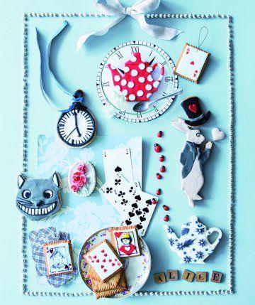 Des biscuits sur le thème d'Alice au pays des merveilles / Alice in Wonderland biscuits