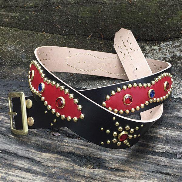 Un favorito personal de mi tienda Etsy https://www.etsy.com/es/listing/226197271/handmade-studded-belt-western-belt