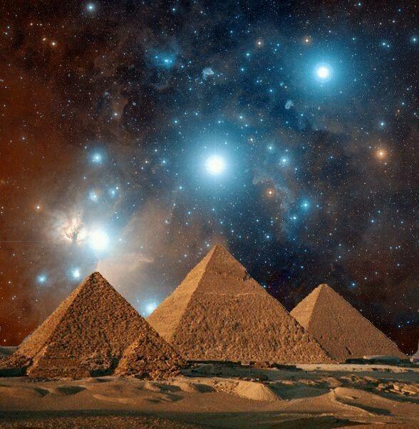 @solitalo Las pirámides de punta aguda como las de Egipto datan de los primeros tiempos de la Atlántida, del florecer maravilloso existente con anterioridad del Primer Hundimiento, mientras que las…