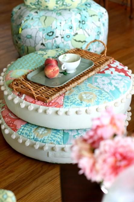 (Jenni) Too Cute! I love the stacked #pillows with the tray. #fabric #amybutler