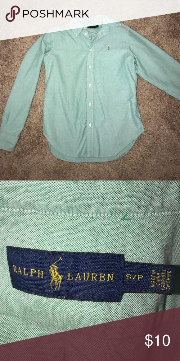 Ralph Lauren Classic Fit Women's Oxford Green Button down size small, worn a few times Ralph Lauren Tops Button Down Shirts