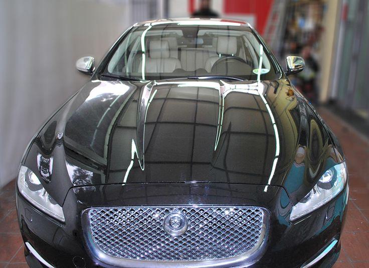 specchietti cromati jaguar santorografica realizza il wrapping anche di singole parti della tua vettura. Sia della carrozzeria che degli interni della vettura. E' possibile scegliere fra vari colori pastello ma anche tinte metallizzate, cromato, dorato, mimetico, tartan o con pattern personalizzati. Visita: http://www.santorografica.com/wrapping.php   verticals: cromatura specchietti, wrapping specchietti, wrapping maniglie, decorazione tettuccio, decorazione paraurti