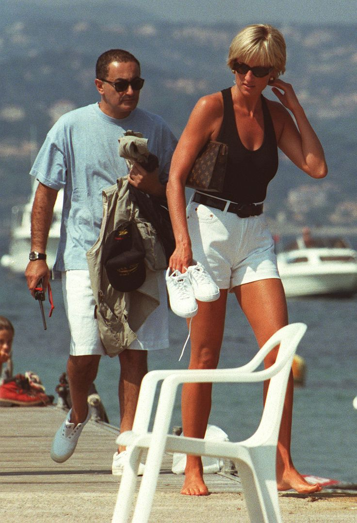 Princess Diana and Dodi Fayed, a few days before their deaths. She was styling! Love the outfit!