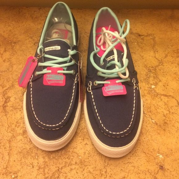 Skechers Navy Canvas Sneakers Size 7 New Skechers sneakers Skechers Shoes Flats & Loafers