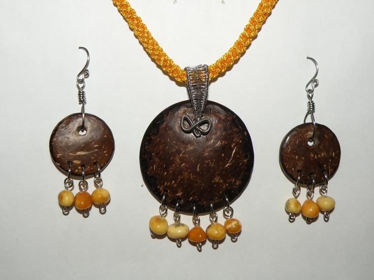 Coconut shell pendant & earrings