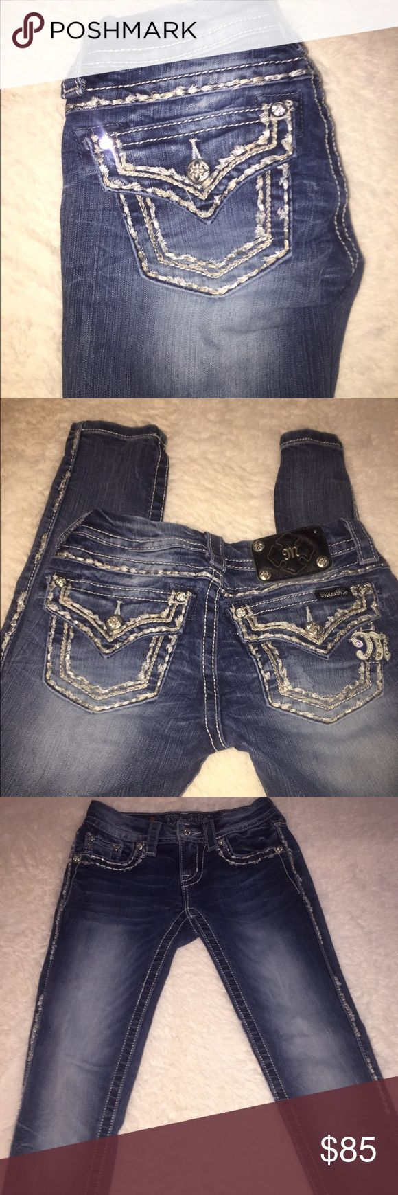 Miss me jeans Miss me cuffed skinny jeans in good condition. Inseam is 28!                                                                ✖️No trades. ✖️No PayPal. ✖️Fast shipper!                                               ✖️Free gift with every purchase.                                                    ✖️Top rated seller. Buckle Jeans Skinny