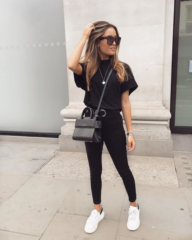Timeless Black And White Outfits Fashionactivation Everyday Outfits Simple Outfits Winter Fashion Outfits
