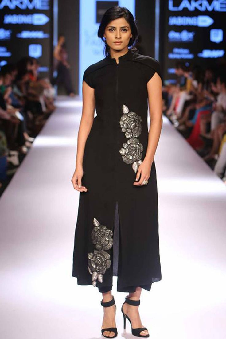 Black sequins embellished rose motifs dress with culottes available only at Pernia's Pop Up Shop.#lakmefashionweek #ridhimehra #ramp #clothing #designer