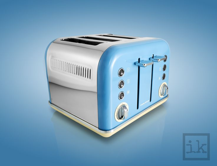 Morphy Richards blue 4 slice toaster | Ian Knaggs product and still life photography