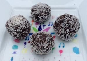No Bake Chocolate Truffles. Tried these at Natural Grocers kicking sugar seminar. No sugar truffles - these are amazing!!