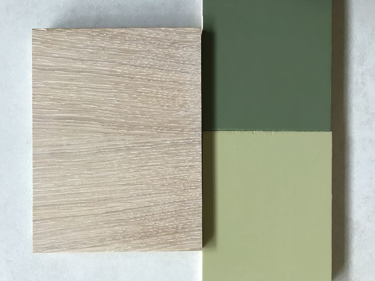 Finiture in abbinamento, verde germoglio e verde bosco con rovere tinto olio bianco