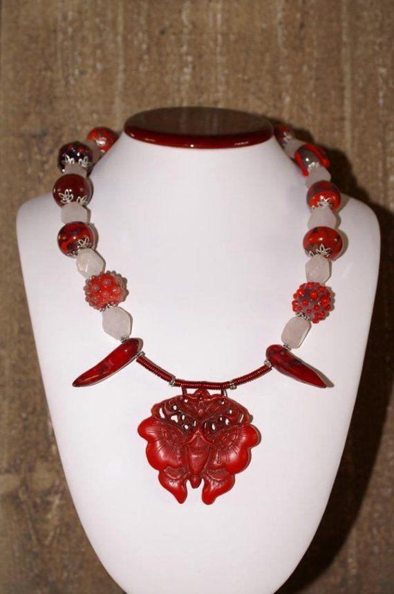Vlinder Ketting met rozenKwarts, handgemaakte glaskralen, dromerig roze rood