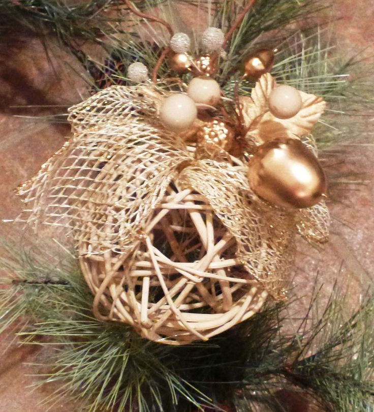 DIY Homemade Christmas Ornaments at BetterBudgeting: Rustic natural straw balls with ribbon, easy to make!