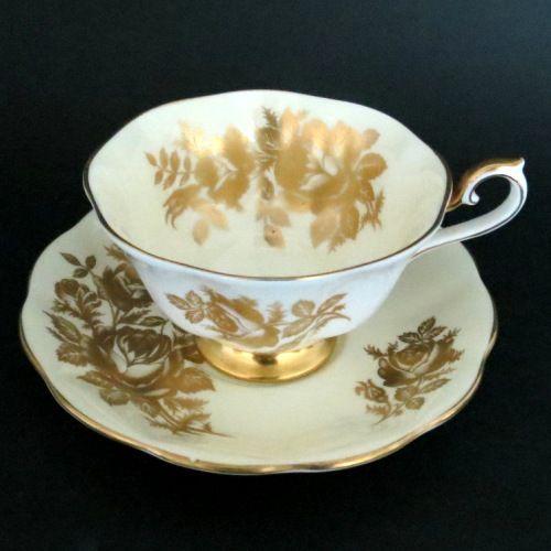 Golden Roses Teacup