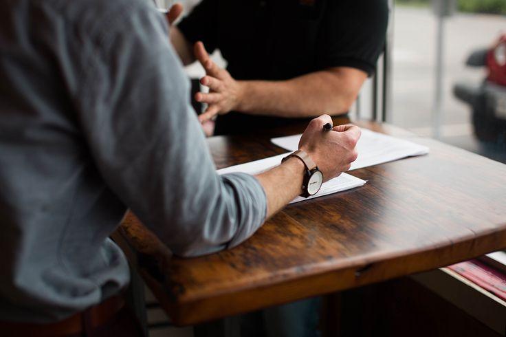 Työhakemuksia on monenlaisia, mutta millaisella hakemuksella erotut muista ja parannat mahdollisuuksia päästä työhaastatteluun? Katso työhakemusmalli.