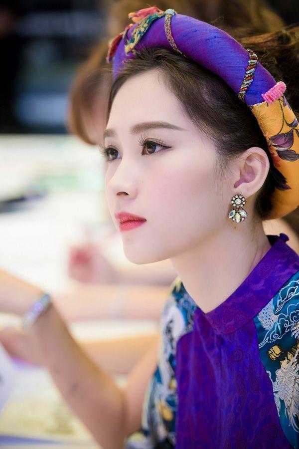 Hoa hậu Thu Thảo đẹp mê hồn ở mọi góc nhìn