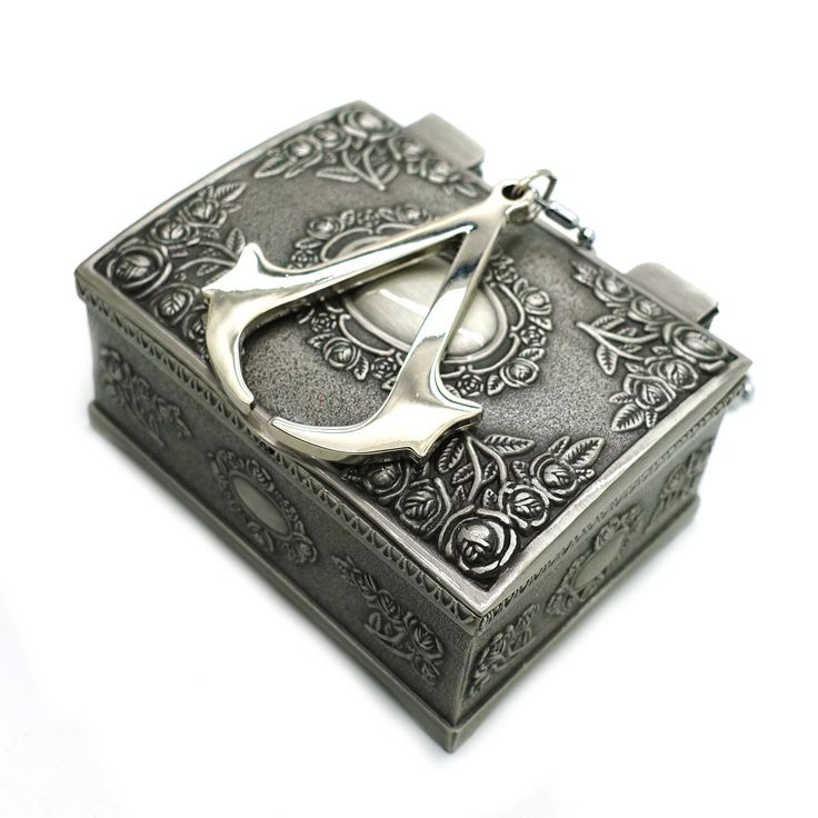 Titanium Steel Assassins Creed 3 III Conner Kenway Pendant Necklace with Jewelry Box,Great Gift for Assassins Creed Fans