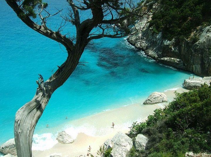 Cala Goloritzè in Baunei, Sardegna http://bit.ly/1vW0Vjw