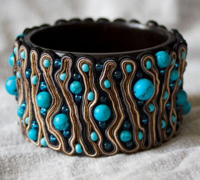 The soutache bracelet with turquoise