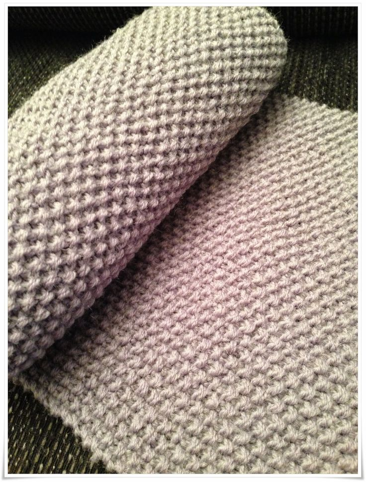 Copying the popular Michael Kors scarf. In my own yarn. Hot Socks Uni, held dobbel. Maybe I have to knit an hat too? :)