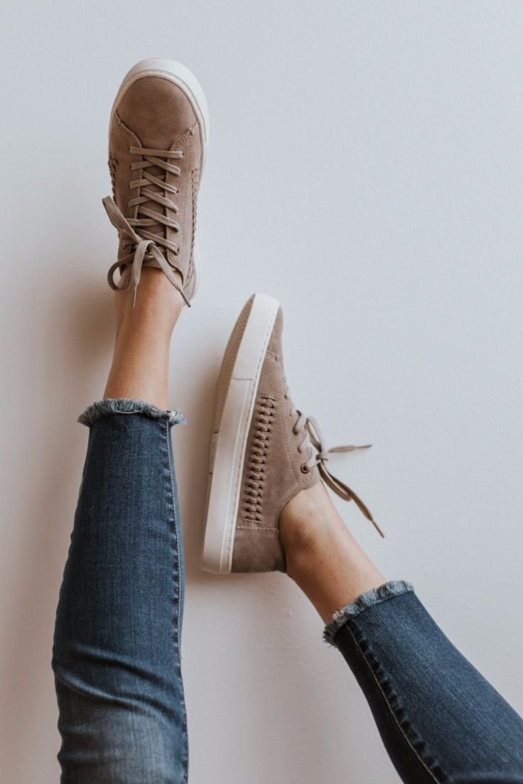Minimal structure and unlined suede make this Lenox sneaker lightweight and flexible. The woven detail on this low-top sneaker gives it a unique flair. - Removable insole, sock liner that fights bacte