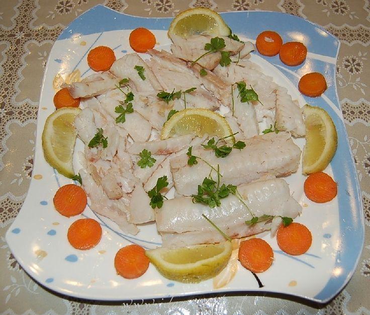 Ricetta Nasello lesso con sedano e carota
