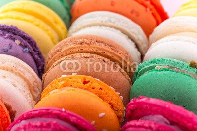 Colorful french macaroons© Kesu