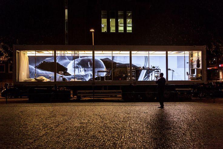Dries Verhoeven - Wanna play?(L'amore ai tempi di Grindr) - Utrecht, 2015