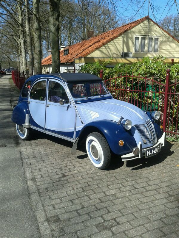 what a beauty deux chevaux to my beautiful ugly duckling pinterest cars dream cars. Black Bedroom Furniture Sets. Home Design Ideas