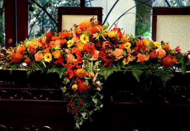 秋色系のメインテーブル装飾