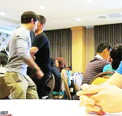 GIF You have to watch this lol -  major cuteness!  dylan and max/charlie(?)