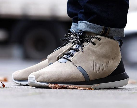 nike mens roshe run nm sneaker boot bootcamp
