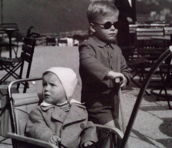 Future last President of Czechoslovakia and first President of Czech Republik Václav Havel (right) and his brother Ivan. 1940.