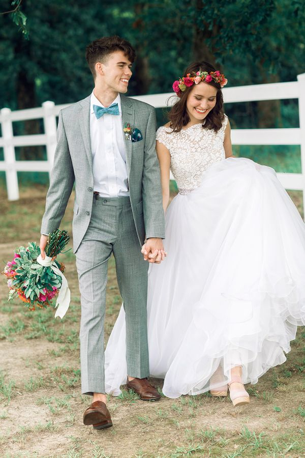 Exclusive! John Luke and Mary Kate's Duck Dynasty Wedding: http://www.stylemepretty.com/2015/10/22/exclusive-john-luke-and-mary-kates-duck-dynasty-wedding/   Photography: Three Nails Photography - http://threenailsphotography.com/