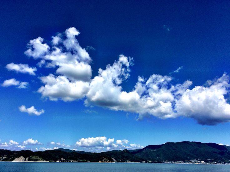 香川に向かうジャンボフェリーからの眺め