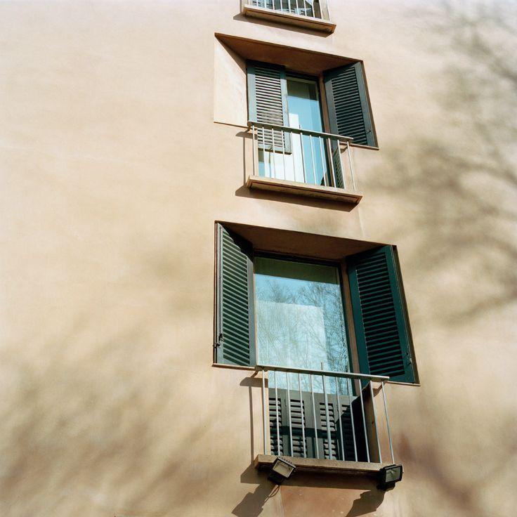 Luigi Caccia Dominioni: Recessed windows and angled shutters, Casa Pirelli