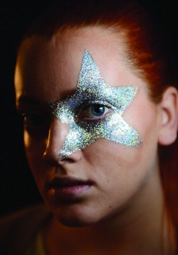It was glitter pots galore (MAC Reflects and 3D Glitter pots to be precise) backstage at the MTV EMAs, with MAC make-up artists creating bold and colourful looks inspired by the theme, Surreal Circus.