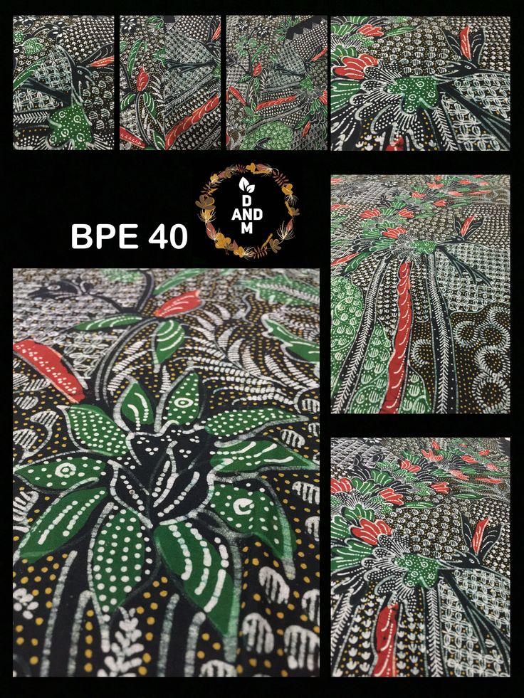 Batik Tradisional Klasik Motif Burung dari Madura Indonesia