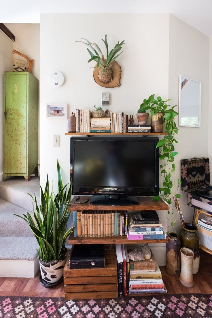 cabinet in the kitchen 1000 ideas about tv on hide tv framed 12917