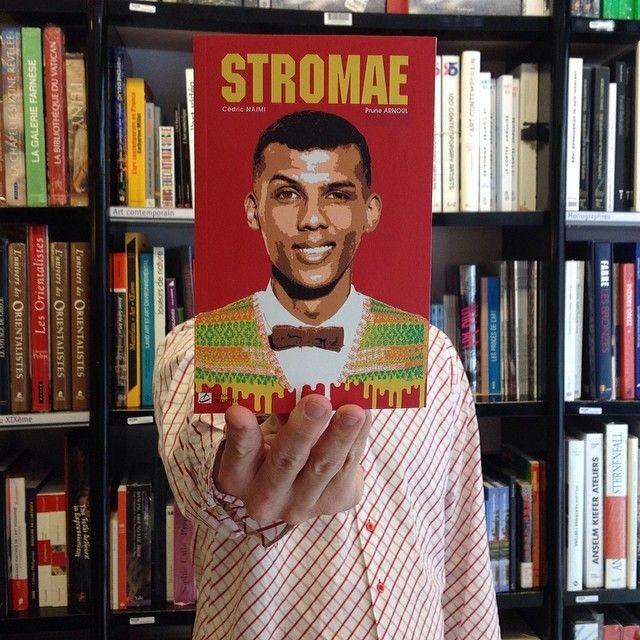 #deslibrairesavotreservice avec STROMAE, Cédric Naïmi et Prune Arnoul, éd. Carpentier (9782841678853) #livre #book #buch #libro #livro #bok #книга #本 #kitap #librairie #bookshop  #librairiemollat #mollat #bordeaux #stromae #sleeveface #bookface