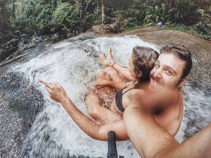 """919 Me gusta, 19 comentarios - Travel Couple // Carol & Nando (@vivendoepostando) en Instagram: """"Lembra aquele tempo, amor? Onde a gente se encontrou. Foi ali que começou minha felicidade. 💜 . 🌎 3…"""""""